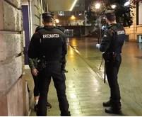 Dos detenidos por presunto robo tras ser sorprendidos en el interior de un local de hostelería en Errenteria,