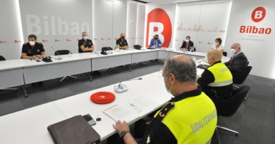 Bilbao celebra la comisión anual de coordinación policial, presidida por el alcalde,