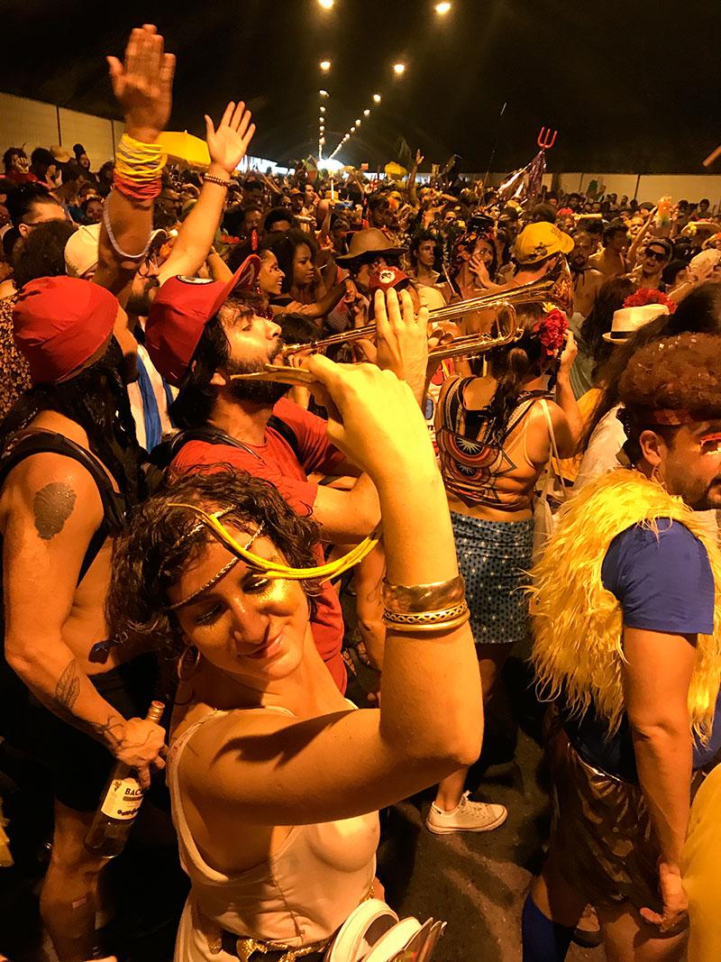 carnaval-belo-horizonte-eusouatoa-bloco-tico-tico-serra-copo
