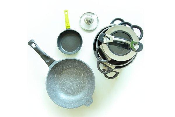 Küche aufräumen – Töpfe, Deckel und Pfannen ausmisten