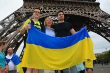 Co-organisateurs de la course parisienne Julia Lev, Thomas Didier, Leonid Goncharov