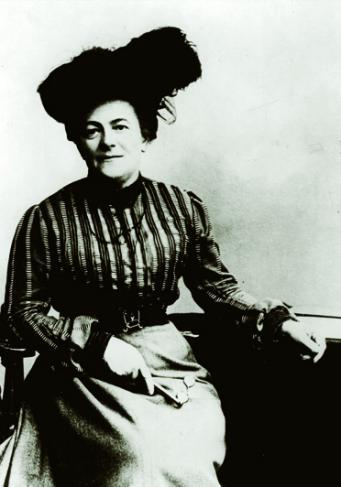 Κλάρα Τζετκιν μια δυναμική γυναίκα που τα έβαλε στα ίσα με το ανδρικό ικατεστημένο