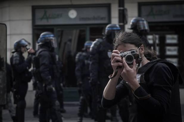 Pendant des émeutes, portrait de moi pris par mon padawan.