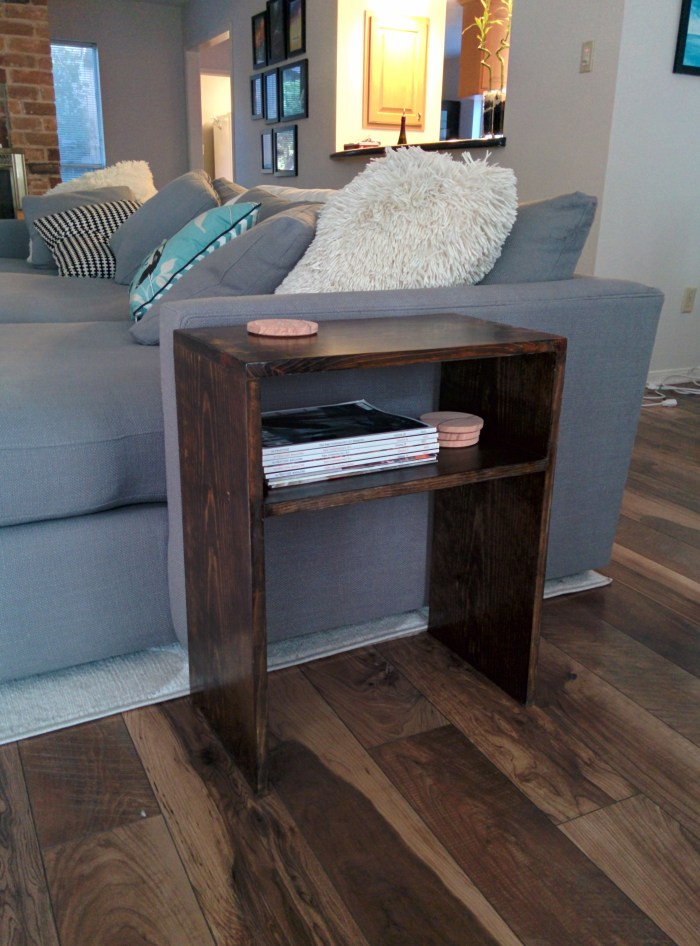 DIY simple side table - evanandkatelyn.com
