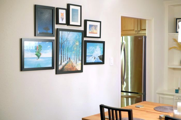 Doing a mix-matched gallery wall - evanandkatelyn.com