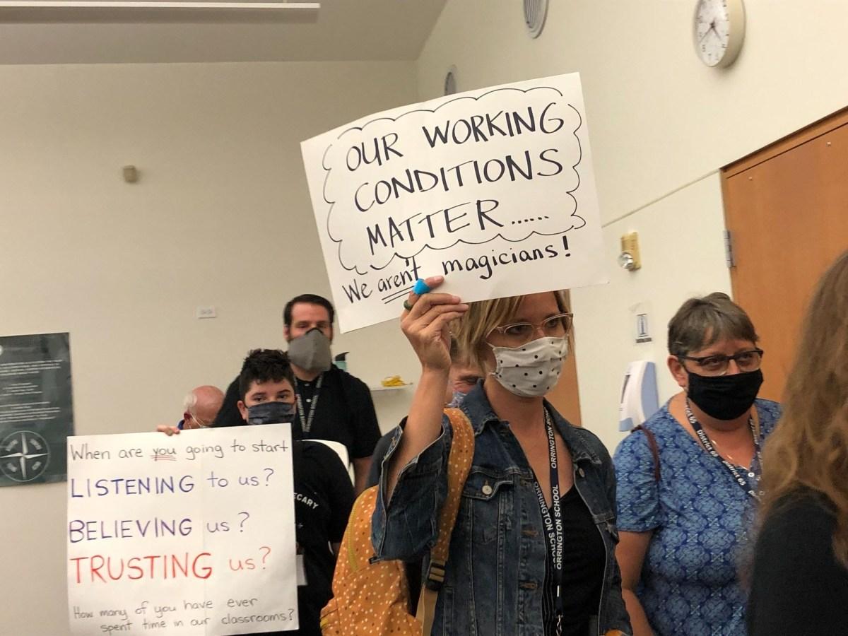 District 65 teachers protest
