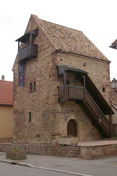 Visite de la maison Romane avec votre chauffeur Privé VTC à Rosheim