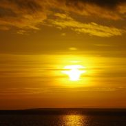 Vaatle täna päikeseloojangut. Sealt saad rahu./ Watch the sunset today. It will give you peace of mind.