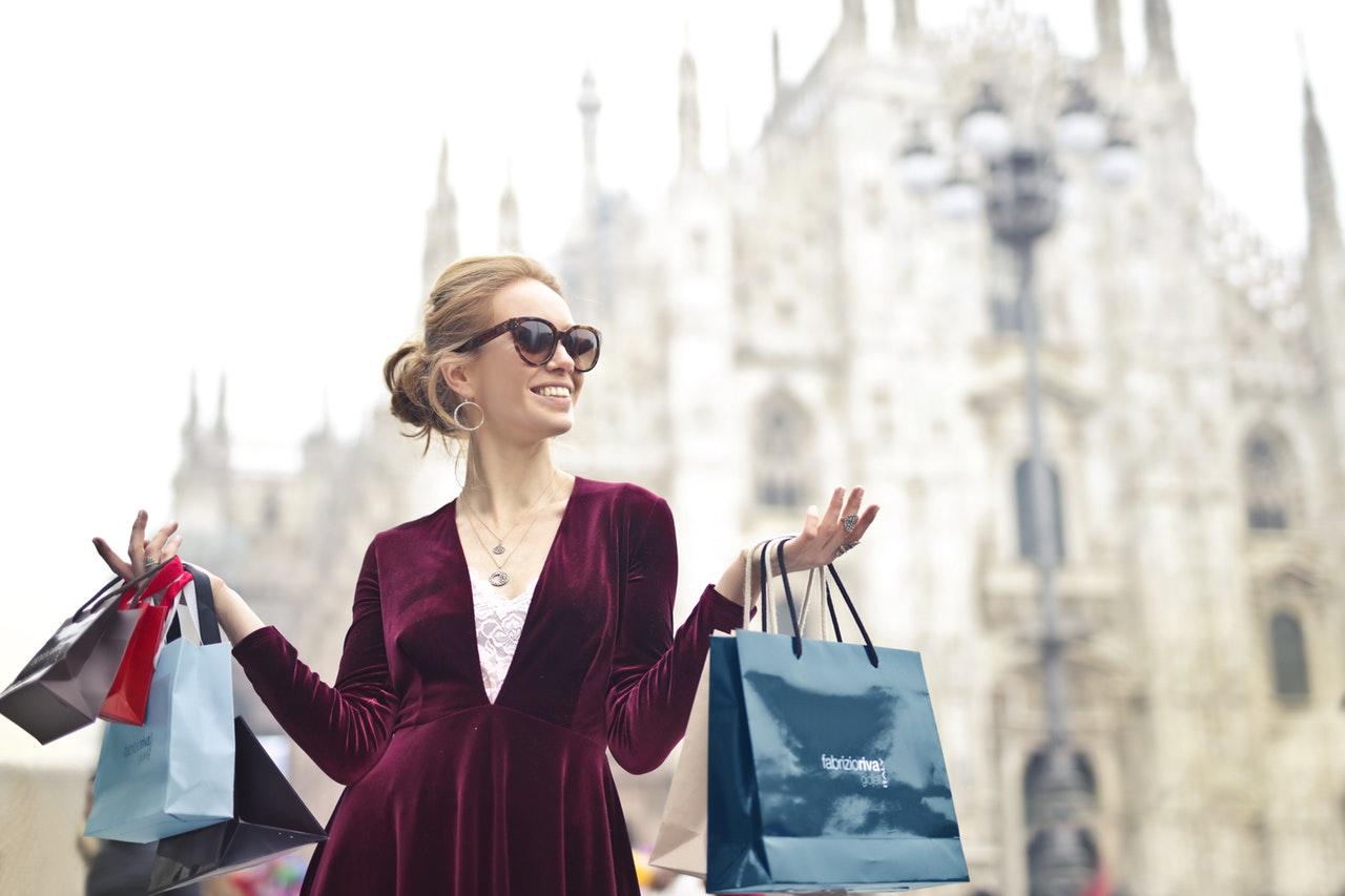 Terapia prin shopping pentru îmbunătățirea stării de spirit