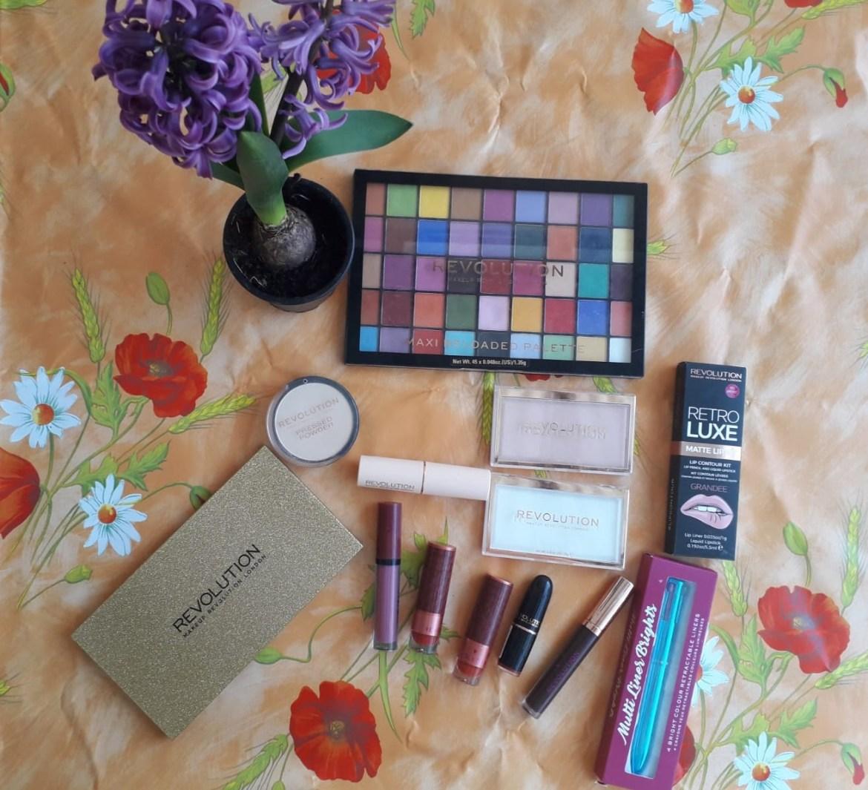 De ce să iei cadouri de Ziua Femeii de la Makeup Revolution?