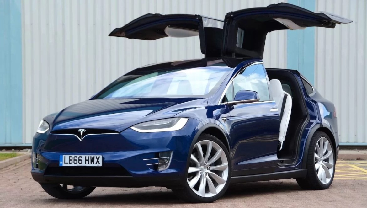 Tesla Model X Review – Specs, Performance, Price & Launch Date in India