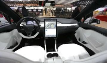 2020-Tesla-Roadster-Interior