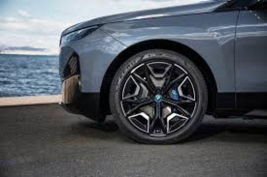 BMW iX XDrive 50 Tyre