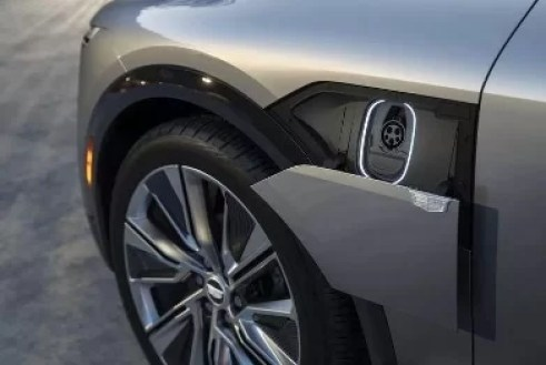Cadillac Lyriq Charging