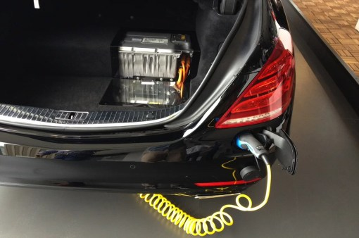 Mercedes S-Class Hybrid Charge