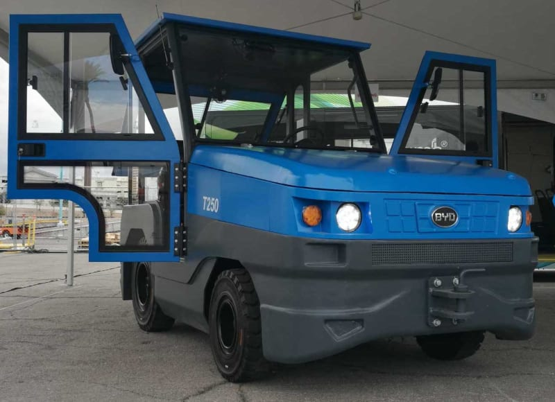 BYD electric tow tractor