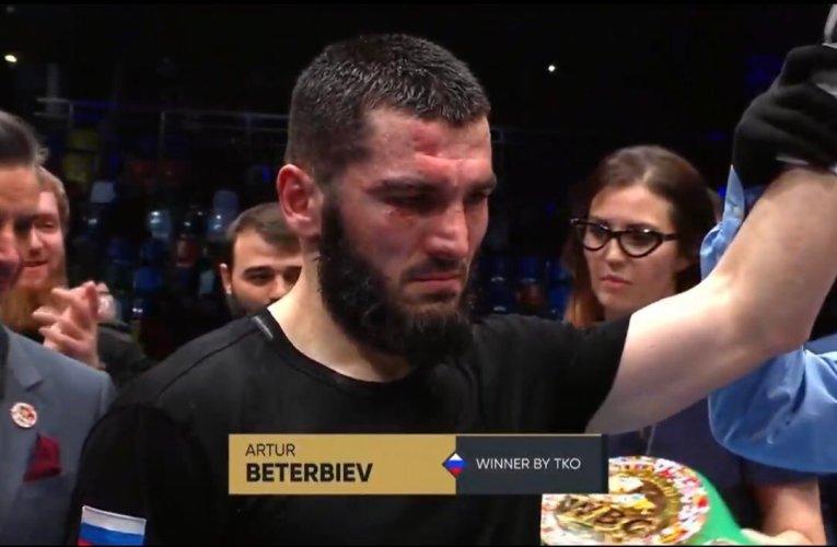 Artur Beterbiev destruyó por completo a Adam Deines