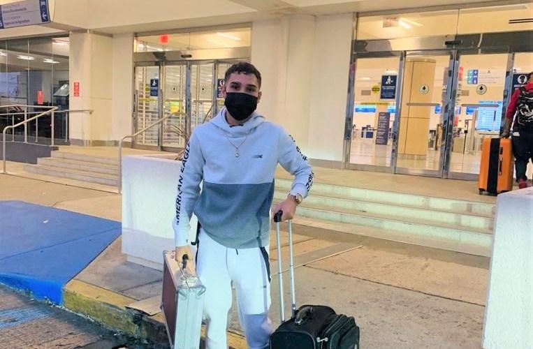 El campeón mundial Wilfredo 'Bimbito' Méndez sale rumbo a Las Vegas