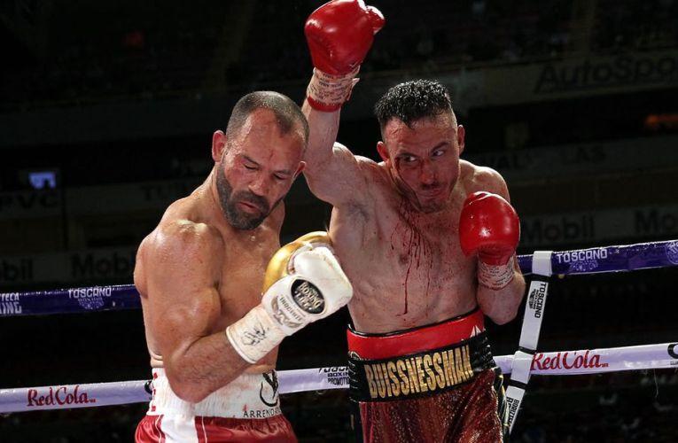 Ramón Álvarez le dio una paliza a Omar Chávez