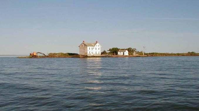 Holland Island evi