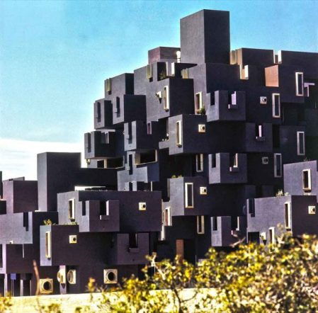 kafka-castle-05-evdenhaberler