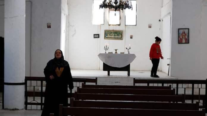 Kilise ziyaretçileri