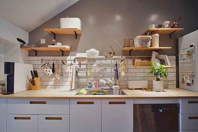 ev dekorasyonu beyaza yakışan mutfak aksesuarları