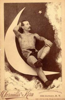 maudelynn-tattooed-man-on-the-moon
