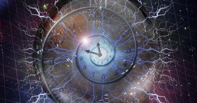 Mieux connaître les Pléiadiens partie 9 : Se déplacer dans le temps, forme des planètes, nouvelle Création