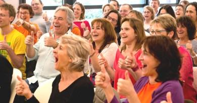 Le rire, c'est bon pour la santé… en connaissez-vous les principaux bienfaits ? Yoga du rire et rigologie, exemples et vidéos :D