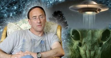 Le contacté Simon Parkes parle : Aliens et E.T. – Matrice Prison I.A. & Conscience Universelle (vidéo anglais sous-titrée automatiquement)