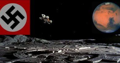 Bases multiples de la Lune et navettes spatiales militaires américaines comme programmes de couverture