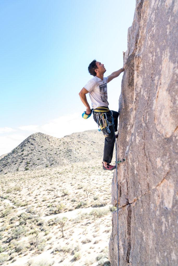 homme-escalade-tommy-lisbin-644940-unsplash-683x1024