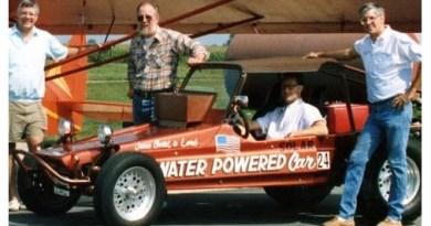 Un inventeur de voitures alimentées à l'eau meurt dans un restaurant en criant «Ils m'ont empoisonné»