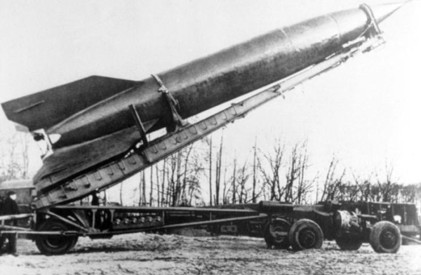 V-2-Nazi-missile-e1399149282651