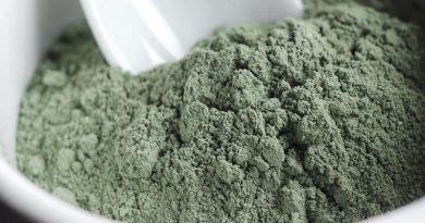 Comment neutraliser un vaccin avec de l'argile et du charbon végétal activé ?