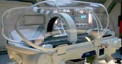 Lits médicaux et technologies quantiques disponibles actuellement pour les militaires des programmes spatiaux secrets et la cabale : exigeons-les pour tous !