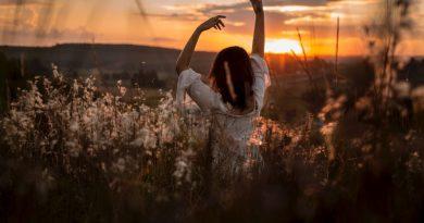 Se pardonner, langage sacré, le chant de la Source, langage galactique, langage lumière