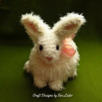Realistic Bunny--FREE crochet rabbit pattern.Who wouldn't love to receive this furry realistic bunny rabbit. You can make your own Honey Bunny.