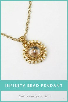Two-Hole Infinity Bead Pendant--Free tutorial on how to make this pendant using the peyote stitch