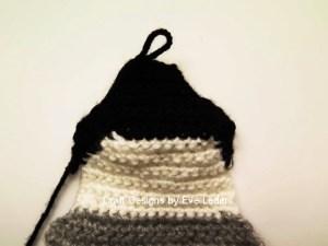 Penguin Pillow--Free crochet pattern. Fig. 5