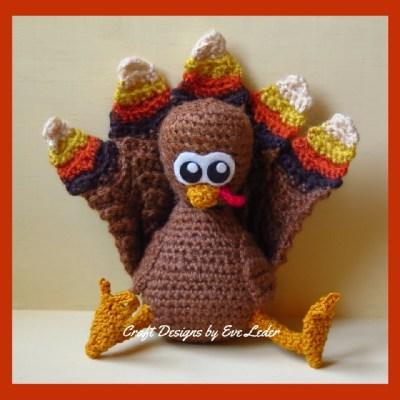 Crochet Turkey--FREE crochet pattern to make turkey with realistic looking feathers.