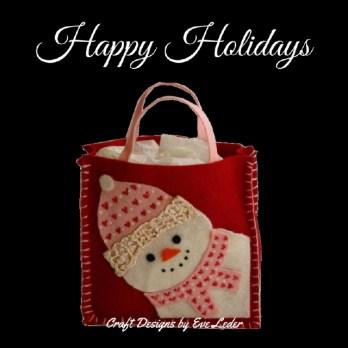 Snowman Gift Bag Pattern--FREE pattern to make this super cute felt snowman gift bag.