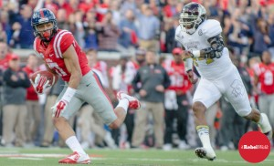 Evan Engram hauls in a pass to help lead Ole Miss past Mississippi State in the 2014 Egg Bowl. (Photo credit: Bentley Breland, The Rebel Walk)