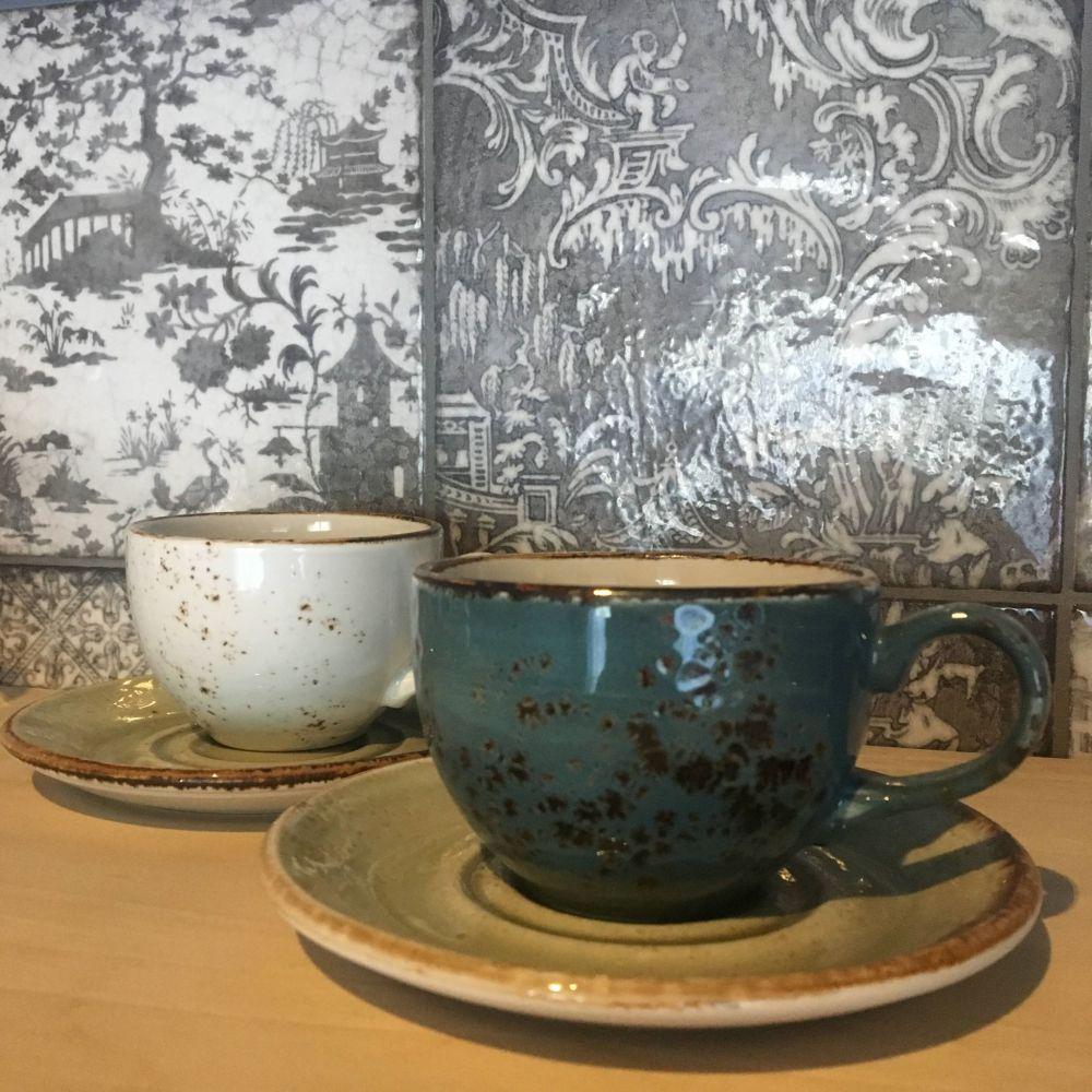 swan house tea cups