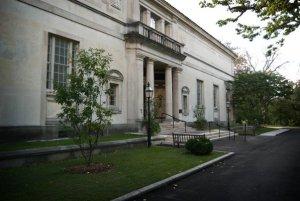 MansionBarnes