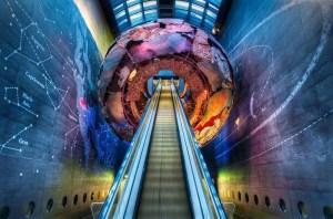 caspost.com-london-natural-history-museum-entrance-600x396