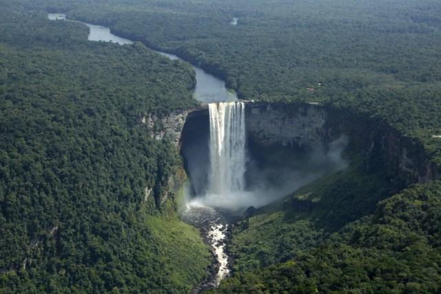 kaieteur-falls-