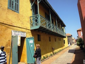 041910-Goree-Musee-Femme-500