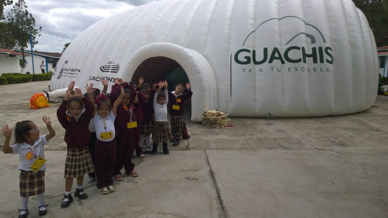 Guachis Van a Tu Escuela